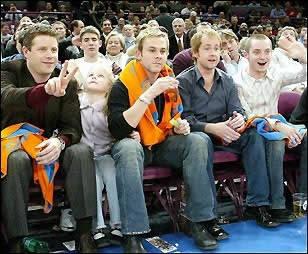 hobbits at basketball game 2002