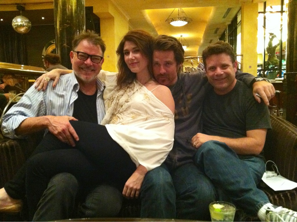 Tweeted by Jewel Staite. With her are Jonathan Frakes, Ben Browder, and Sean Astin
