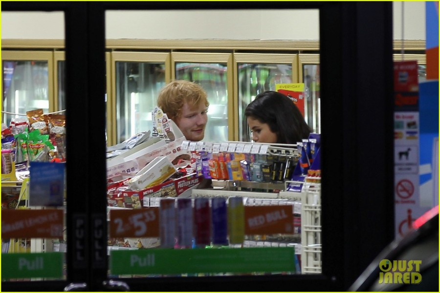 selena-gomez-ed-sheeran-hang-out-after-tori-kellys-party-04
