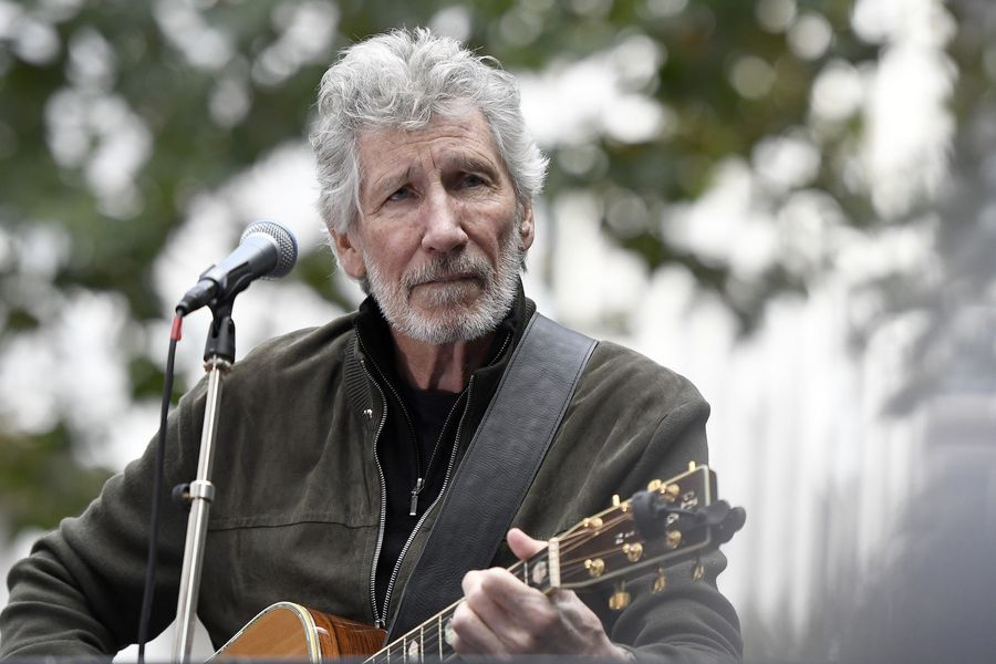 Roger Waters sings 'Wish You Were Here' at a rally in support of Julian Assange, held on Monday September 2nd 2019 outside UK Home Office in central London.