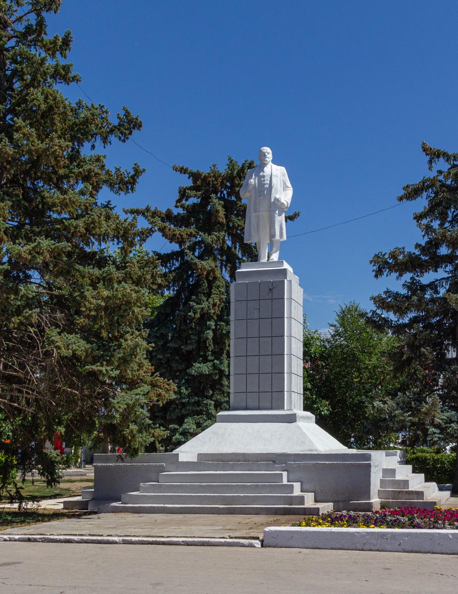 Ленин в Энгельсе.