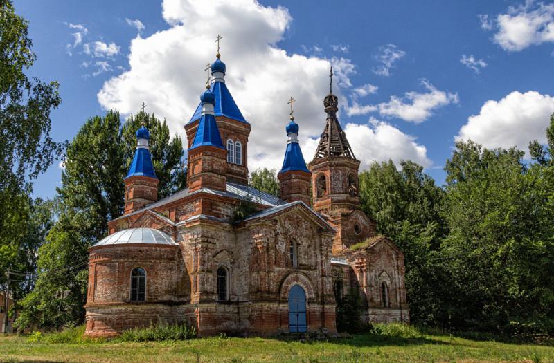 Храм в Карповке.