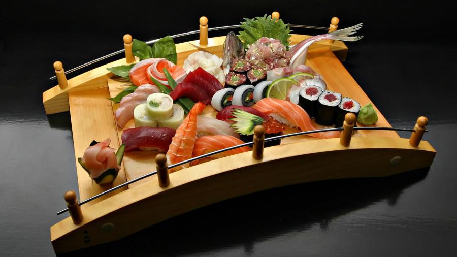 sushi-wallpaper-1366x768