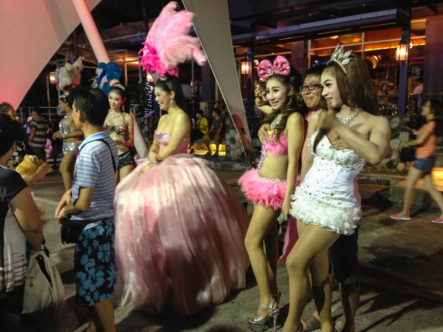 истощенный, свадьба транссексуала таиланд двумя хвостиками