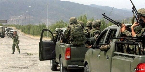 Колонна грузинской армии испугалась одного русского солдата