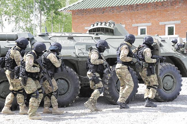 Каждый сотрудник таможни заработал более 47 000 000 рублей