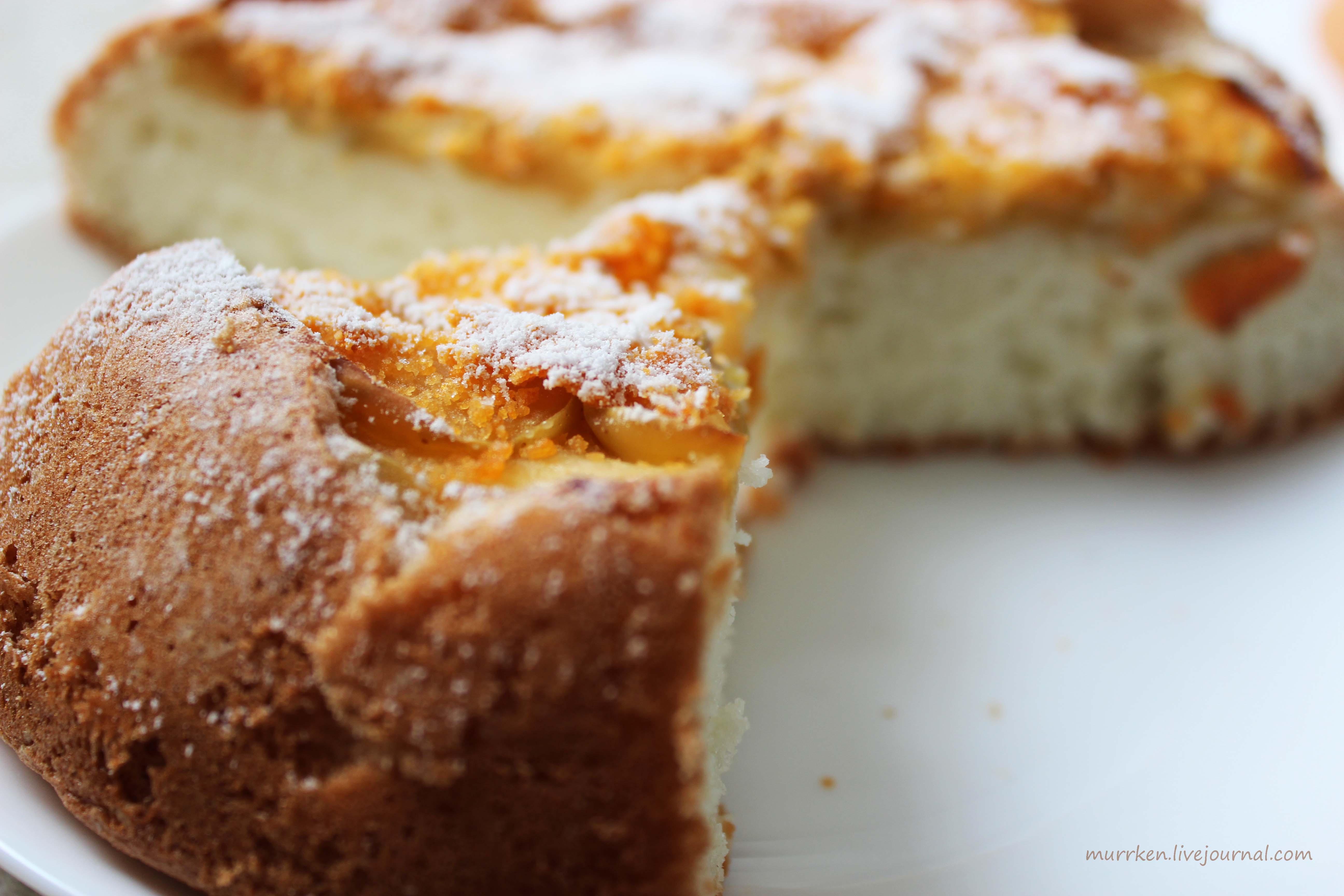 Как сделать бисквитный пирог с яблоками