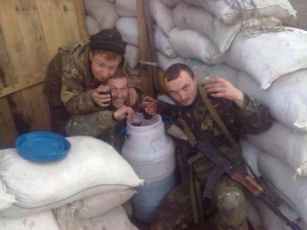За вчерашний вечер террористы около 40 раз обстреляли позиции украинских войск и мирные населенные пункты, - пресс-центр АТО - Цензор.НЕТ 439