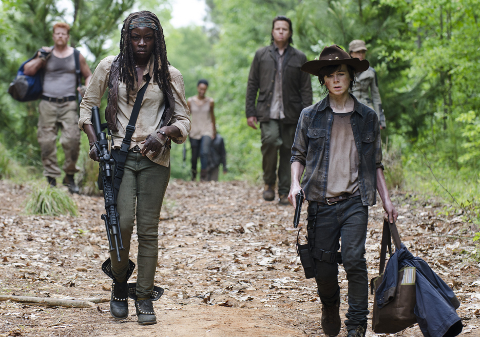the-walking-dead-episode-502-michonne-gurira-carl-riggs-935