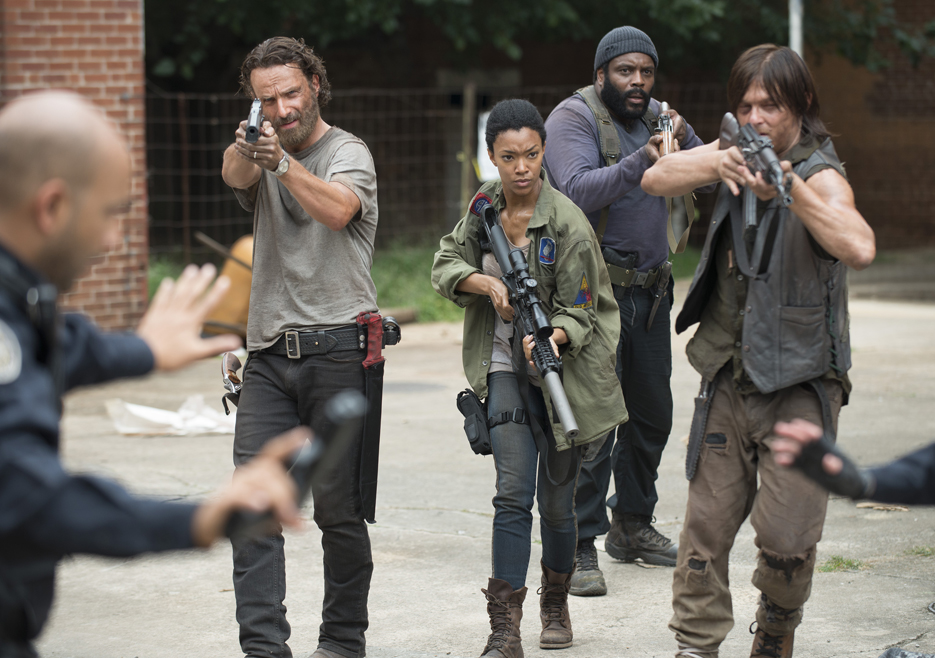 the-walking-dead-episode-507-rick-lincoln-daryl-reedus-935