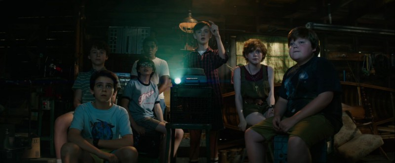 It-still-The-Losers-Club-reviews-slides