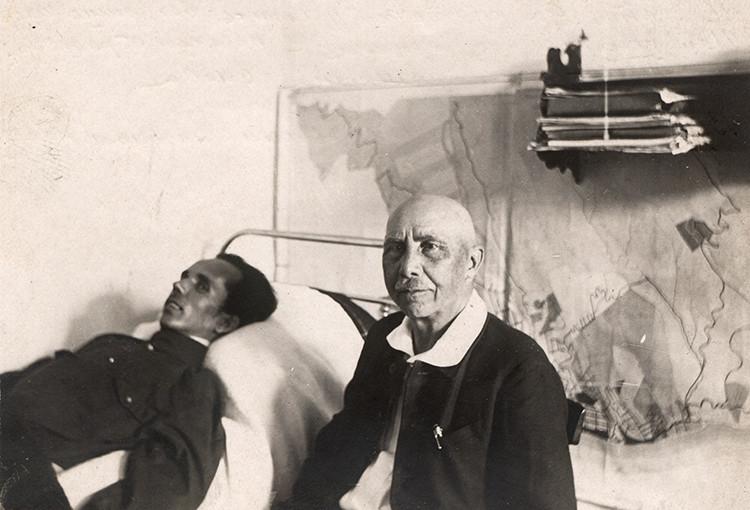 Писатель А.А. Серафимович в гостях у Н.А. Островского. Сочи, 1934 г.