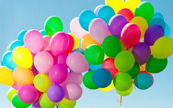 Как преподнести подарок мужчине и женщине: самые оригинальные способы на день рождения и Новый год, сувениры коллегам