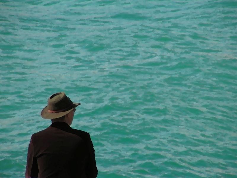 люди на море фото