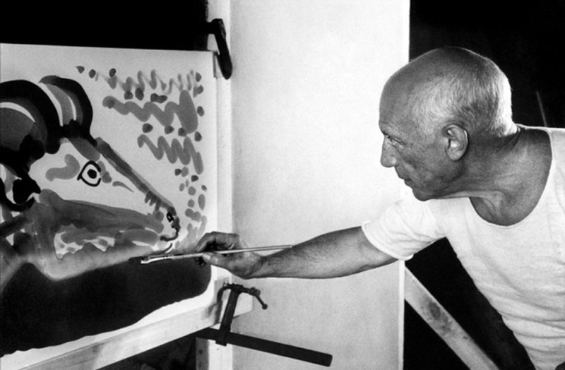 Pablo-Picasso__Frame-of-a-documentary-film-Le-Mystere-Picasso