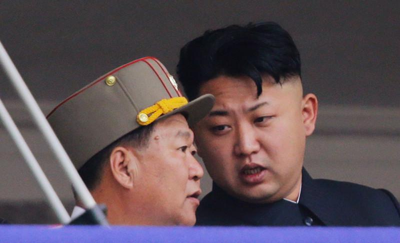 Министр обороны КНДР расстрелян из зенитного орудия