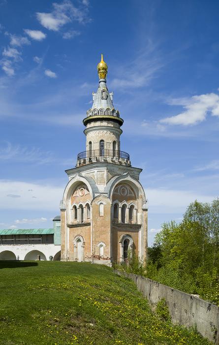 Борисоглебский мужской монастырь.  Свечная башня-3.jpg