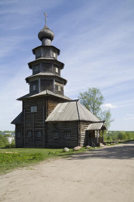 Вознесенская (Тихвинская) деревянная церковь.jpg
