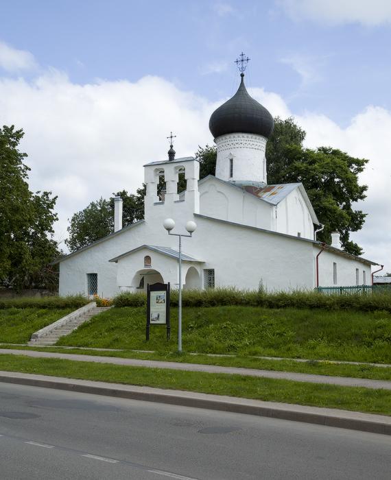 Церковь Иоакима и Анны-01.jpg