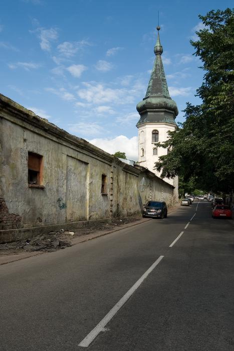 Артиллерийская-казарма-XVIII-и-башня-Ратуши.jpg