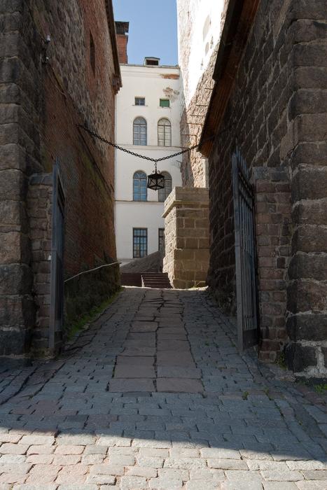 Выборгский-замок.-вид-от-ярмарочной-площадки.jpg