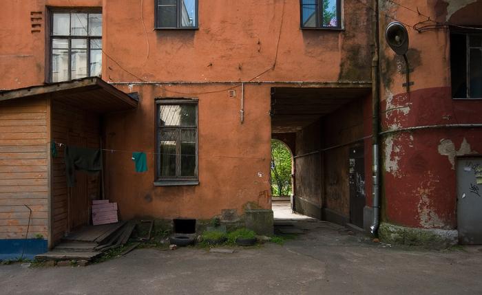 жилой-дом-1902-года-постройки-возле-художественно-производственной-мастерской-«Монетный-дворик».jpg