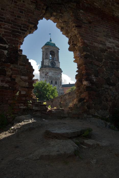 Часовая-башня-XV-век.-пролом.jpg
