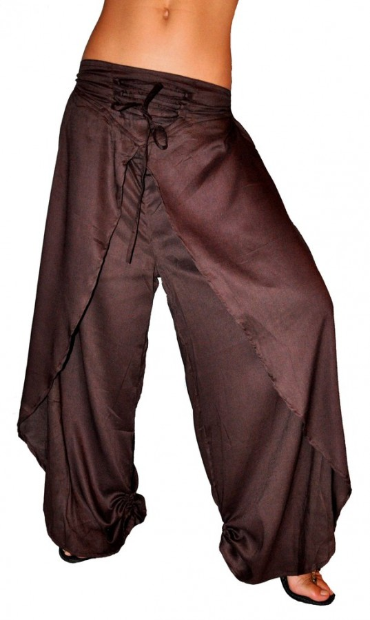 Модные женские брюки разнообразных стилей и фасонов на официальном сайте одо панда