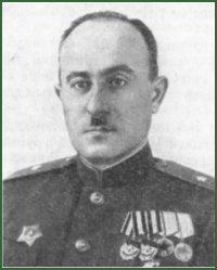 Курашвили Георгий Гаврилович (1900-1978) В августе 1942 года Курашвили Г.Г. был назначен командиром 242-й горнострелковой дивизии.  Вплоть до мая 1943 г. руководимая им 242-я горнострелковая дивизия поочередно побывала почти во всех общевойсковых армиях Черноморской группы войск Закавказского и Северо-Кавказского фронтов.
