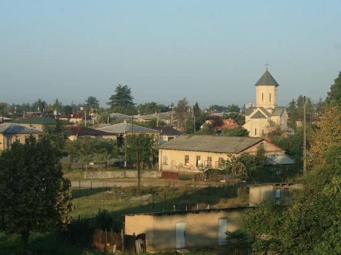 Зугдиди. фото с сайта: http://travelgeorgia.ru/191/