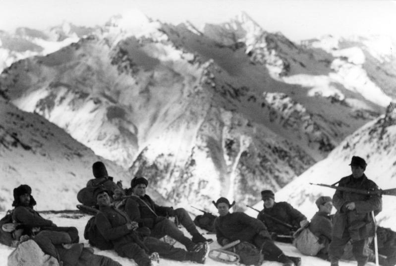 Немецкие солдаты на привале в горах Северного Кавказа. 22 декабря 1942. из википедии.