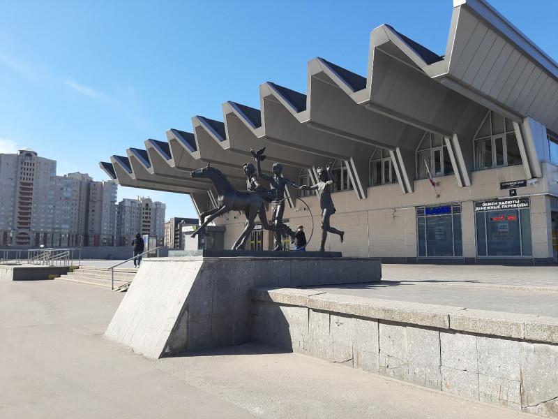 станция метро Пионерская. В период изоляции.