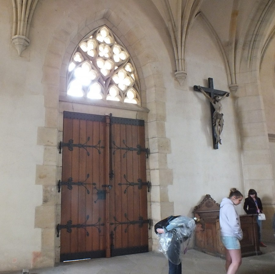 34 Католический храм, интерьер 03