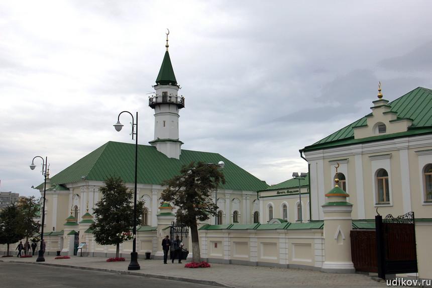 12-1 Казань мечеть аль-Марджани с улицы