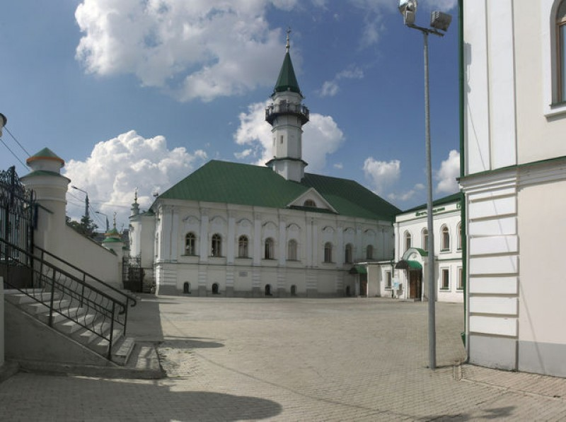 12-3 Казань мечеть аль-Марджани двор 02
