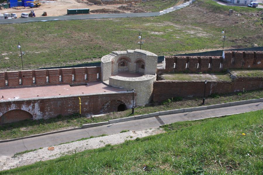 14-6 Кремль стена засыпана