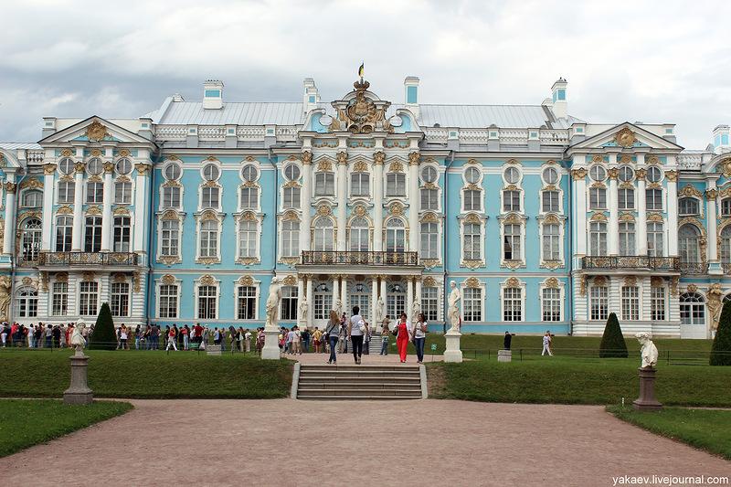 02 Панорама дворца из парка 03