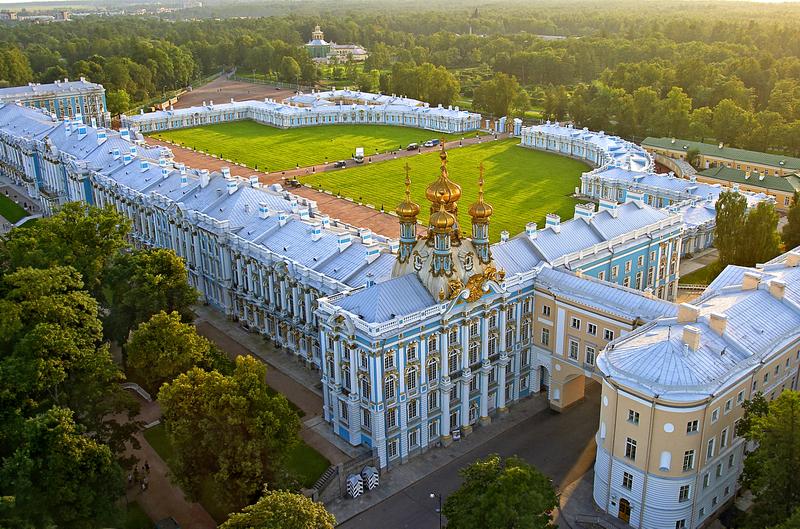 04 Панорама дворца с аркой