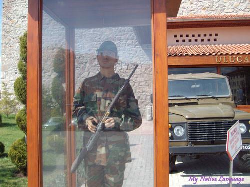 Восковая фигура солдата