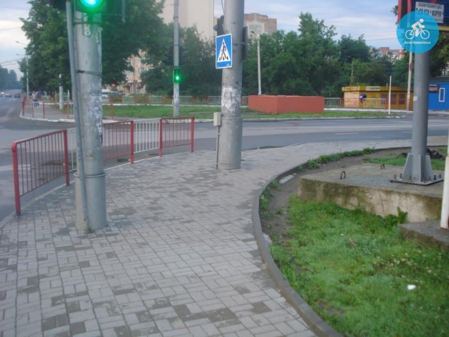 Іванофранківцям показали як можуть виглядати велодоріжки на Галицькій (фото) - фото 5
