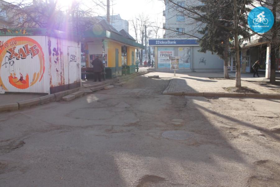 Іванофранківцям показали як можуть виглядати велодоріжки на Галицькій (фото) - фото 45