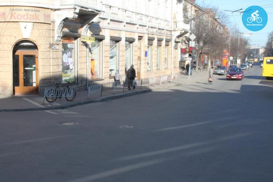 Іванофранківцям показали як можуть виглядати велодоріжки на Галицькій (фото) - фото 58