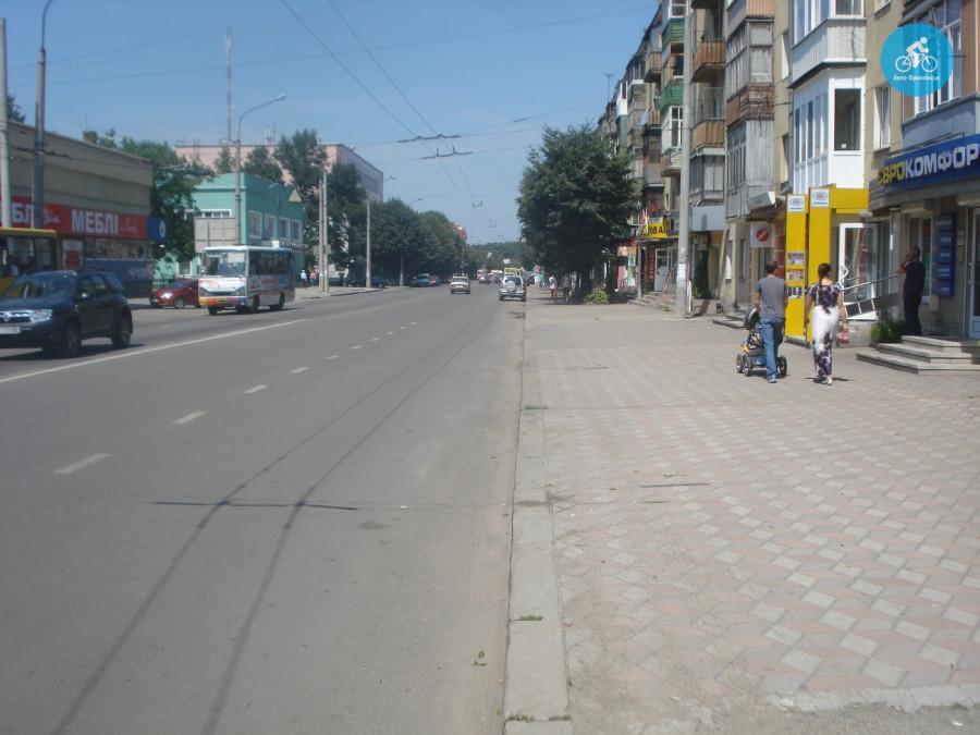 Іванофранківцям показали як можуть виглядати велодоріжки на Галицькій (фото) - фото 70