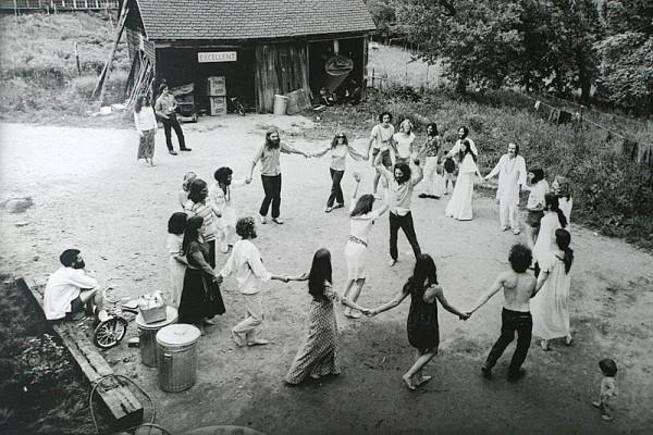 hippie-commune-circle