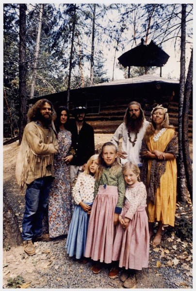 hippie-commune-family-portrait