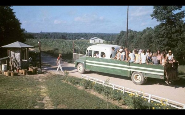 hippie-commune-the-farm-green-truck