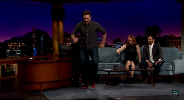 Chris-Pratt-runs-in-high-heels-James-Corden-June-2015