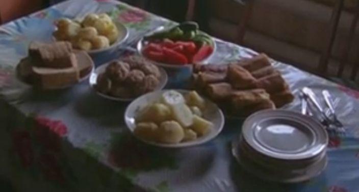 Всё что могу - эксклюзивный  праздничный стол готовили три хозяйки