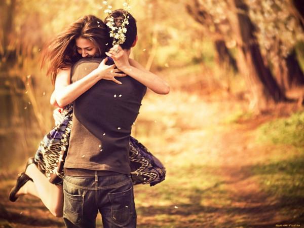 Мальчик и девушка фото со спины