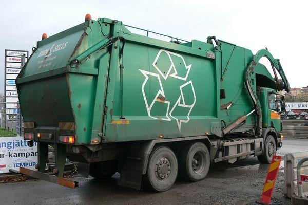 Шведский мусоровоз